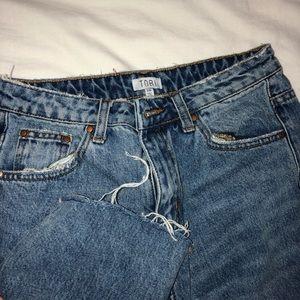 Light wash mom jeans
